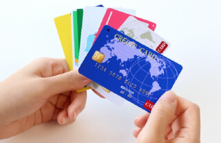 カードローンでお金を借りたイメージ画像